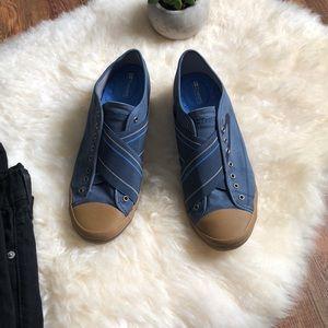 TRETORN unisex slip on shoe/sneaker 9 or 10.5